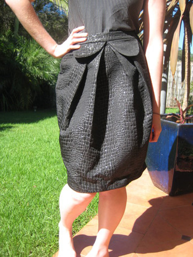 Sewswapsalvage_the_formal_alligator_skirt_fullscreen