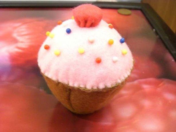 Cake_pincushin_-_vickles_large