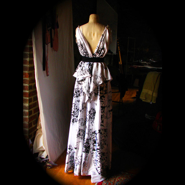 Shibuya_silk_gown_hand_screenprinted_draped_and_tiered_couture_desira_pesta_fullscreen