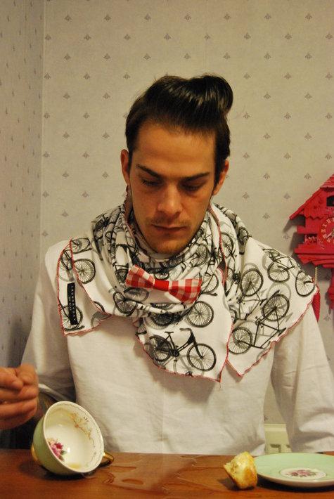 Bow-tie_bike_scarfes_ailuja__fullscreen