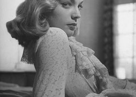 Lauren_bacall_hairstyle5_show