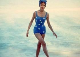 Cuba-beach-fashions4-520x455_show