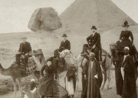 Victorian-british-tourist-001_show