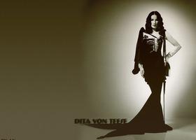 Dita_von_teese_3_show