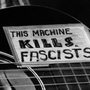 Machine_kills_fascists_large