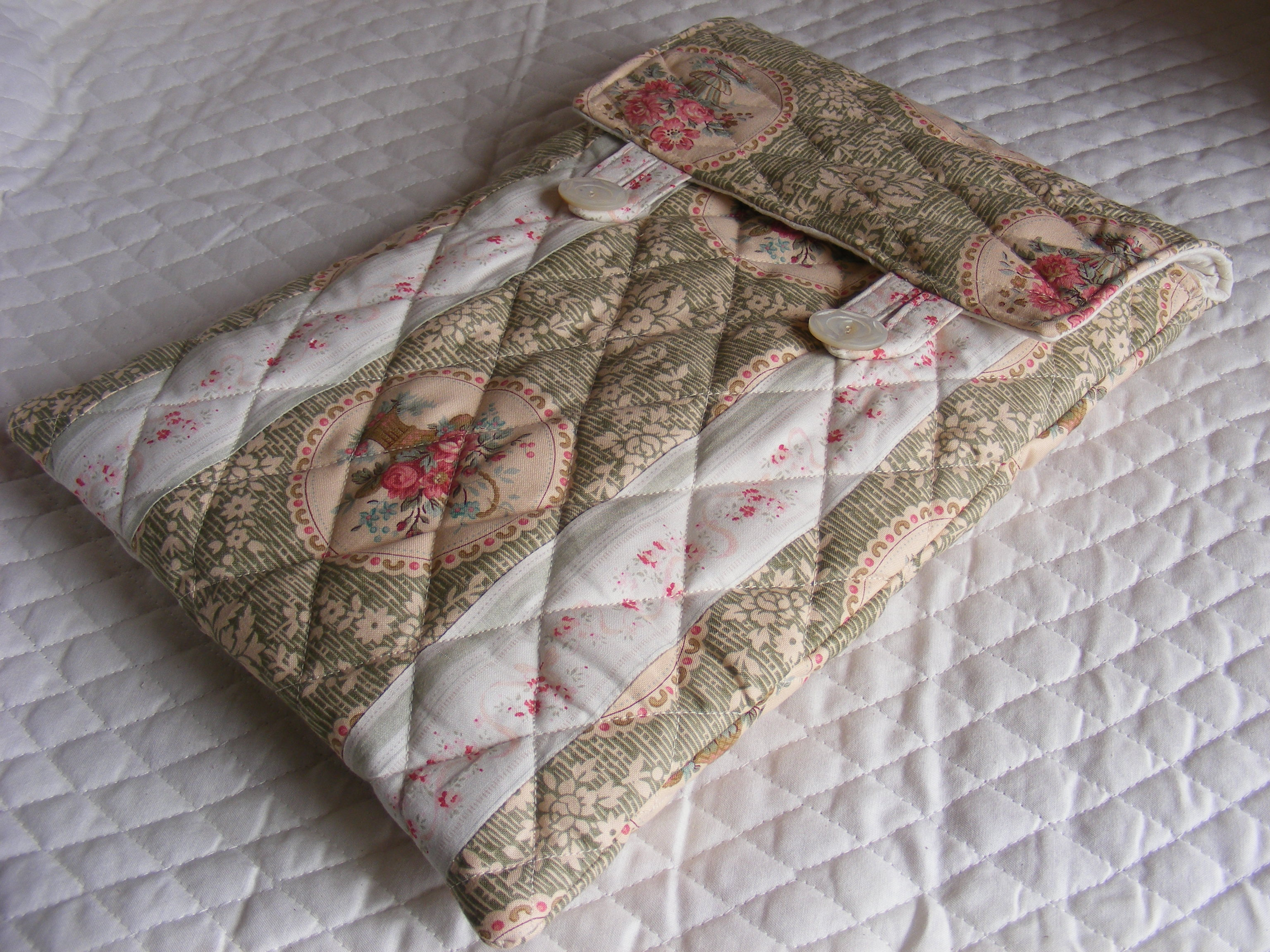 QUILTED LAPTOP SLEEVE PADDED COVER Sewing Projects BurdaStyle.com