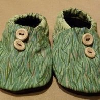 Babyshoes4_juliecook_may2009_listing