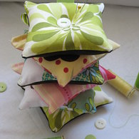 Pin_cushions_stacked_1_listing