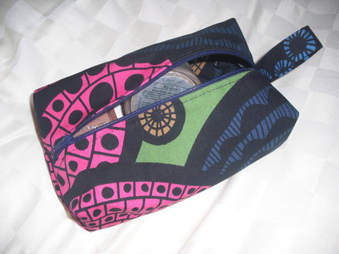 Boxy_make_up_bag_large