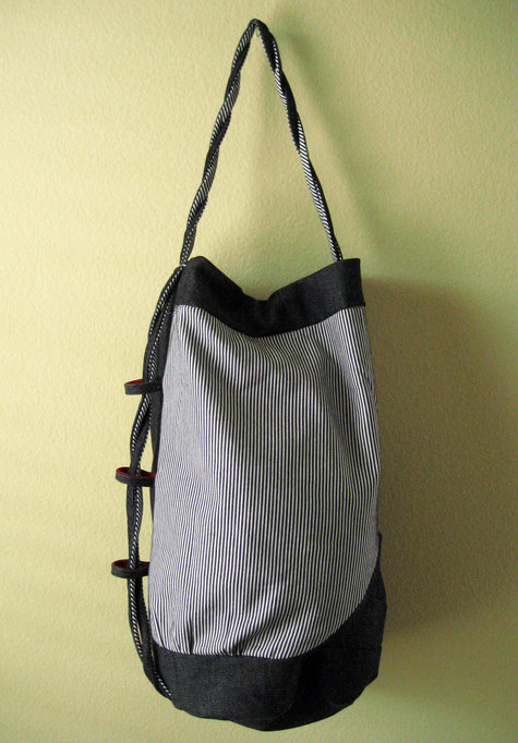 Duffel_stripe_hanging_large