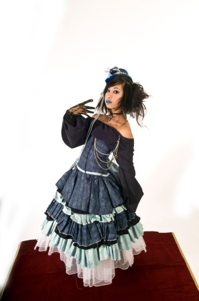 Blue_lolita_dress_large