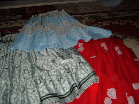 Trio_of_peasant_style_skirts_large