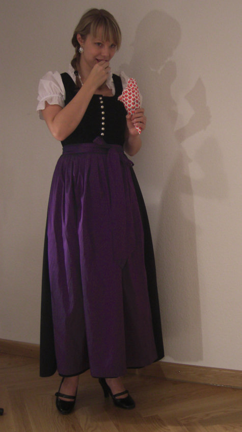 Burdadirndl1_large