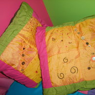 Beaded_cushion_2_listing