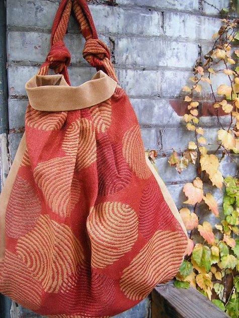 Carpet_bag_2_large