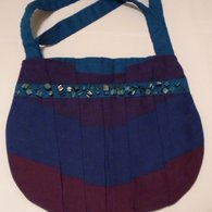 Blue_stripe_pleated_handbag_listing