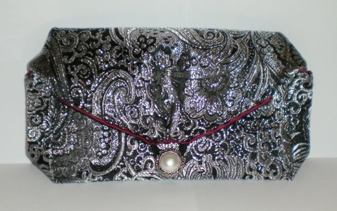 Black_silver_clutch_front_large