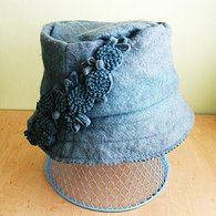 Blue_hat_with_felt_applique_01_listing