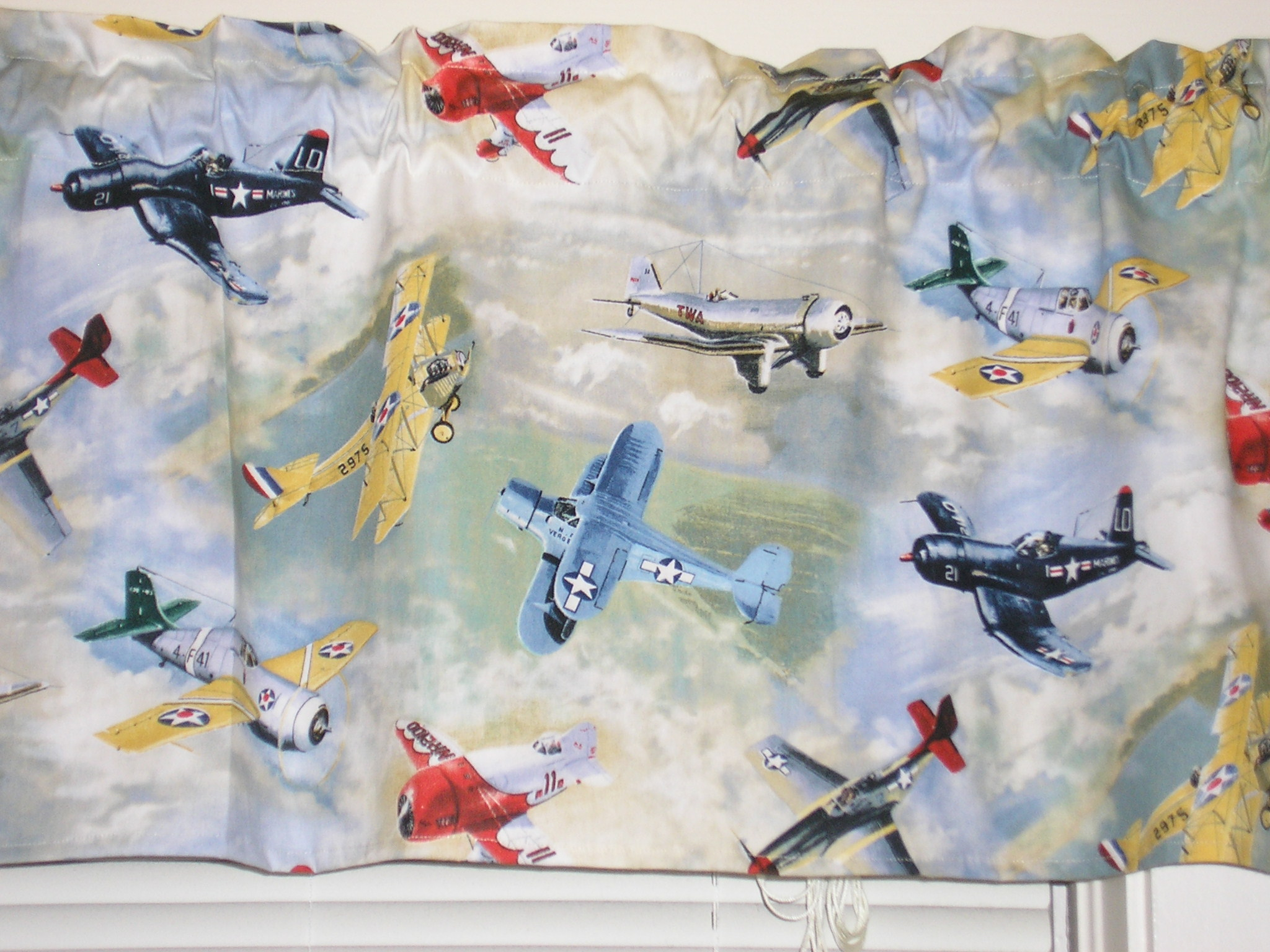 Airplane curtains sewing projects for Childrens airplane fabric