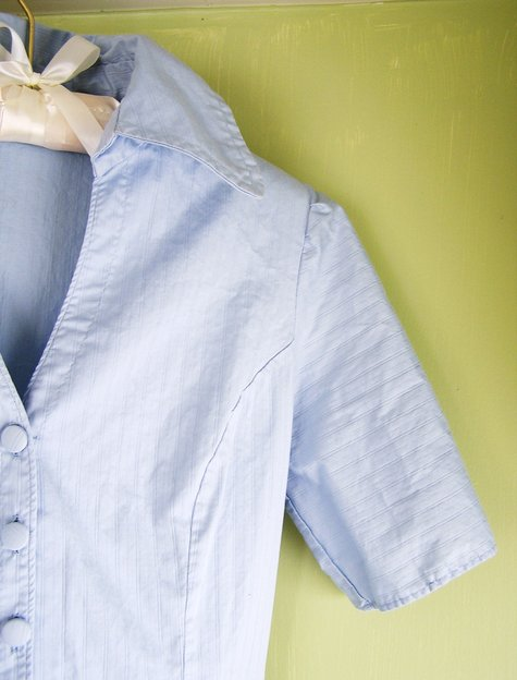 Blue_twill_shirtdress_with_covered_buttons_03_collar_and_sleeve_detail_large