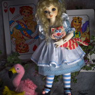 Alice_in_wonderland-2_listing