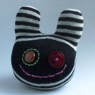 Small_sock_creature_listing