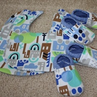 Baby_shoes_and_bibs_listing