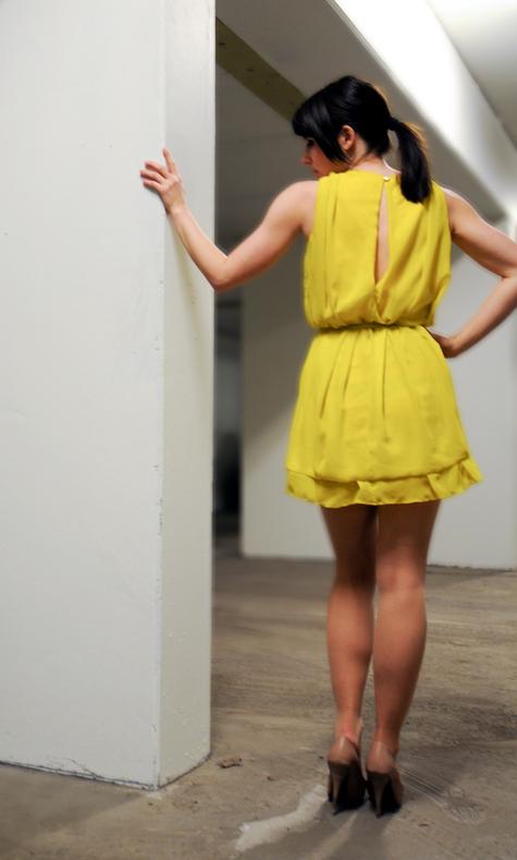 Yellow_back_large