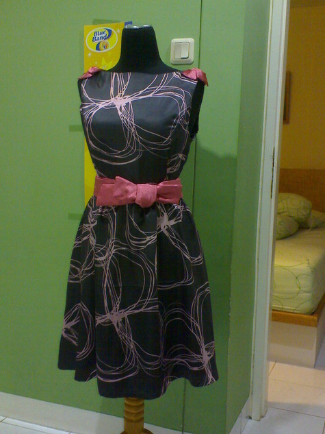 Rossy_dress_4_large