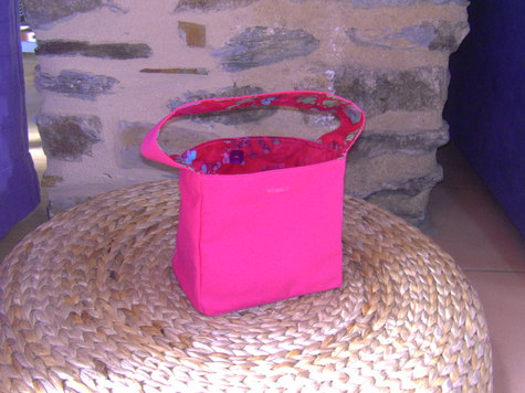 Tinny_pinky_bag_001_large
