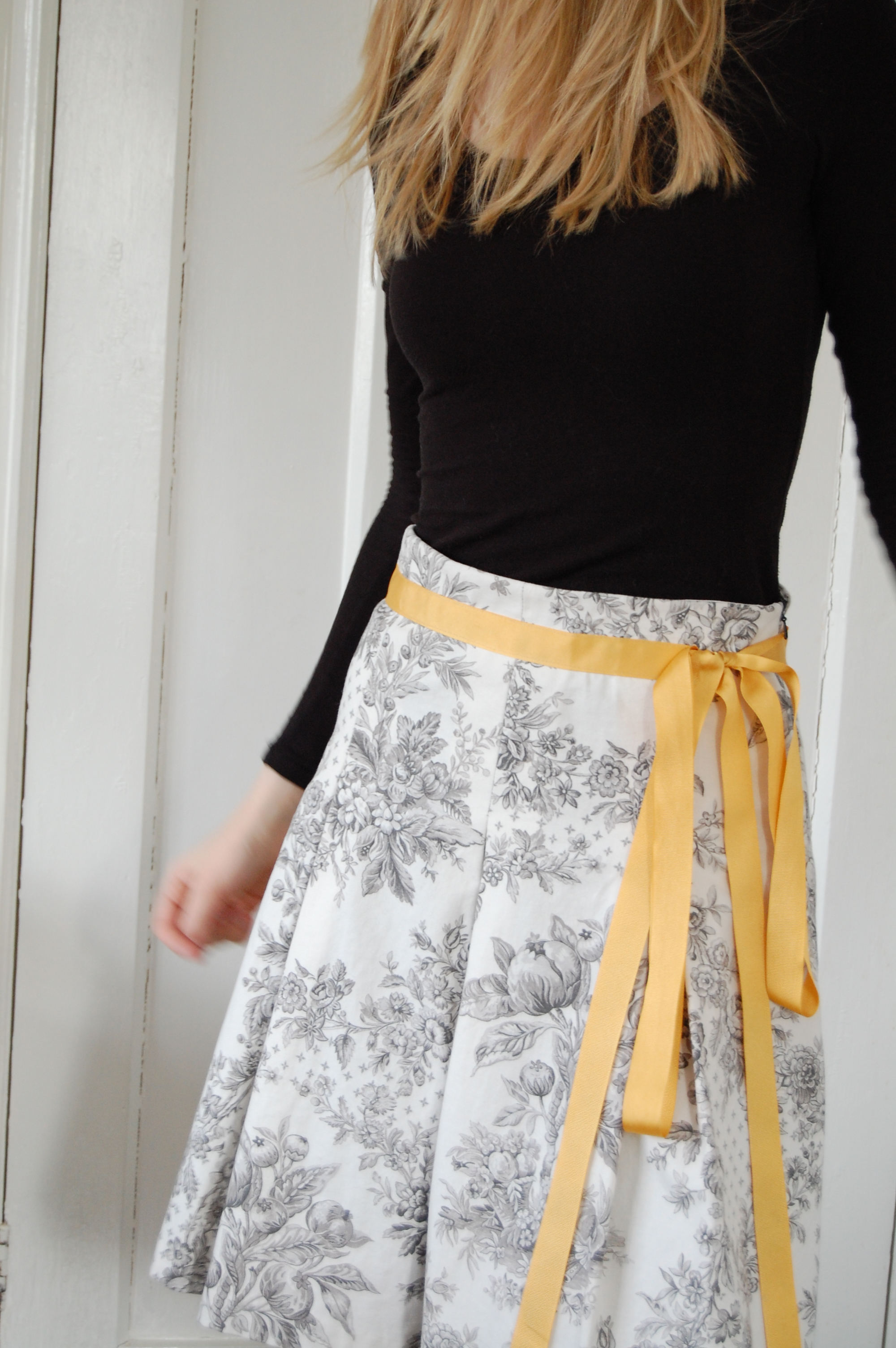 box pleat skirt with yellow ribbon sewing projects