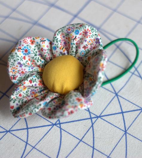 Flower_pincusion_bracelet_nef_large
