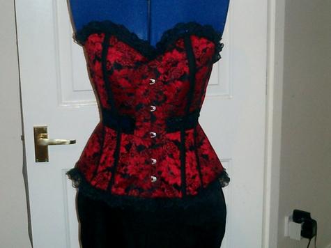 _sarah_corset_front__large