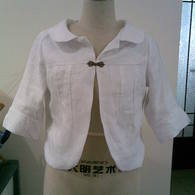 Simple_lined_white_jacket_listing