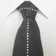 Black_tie_listing