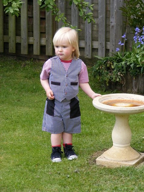 Lucas_in_his_shorts_and_waistcoat_large