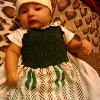 Zainab_in_green_smock_listing