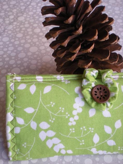 Leafy_green_wallet_1_large