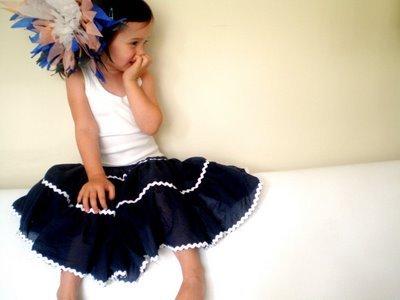 Skirt_sitting_large