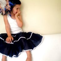 Skirt_sitting_listing