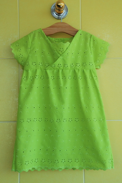 Green_eyelet_dress_vertical_large