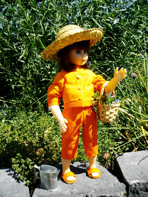 Orange_doll_004_large