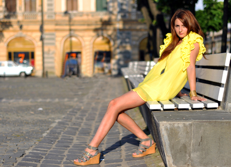 Yellow_dress_large