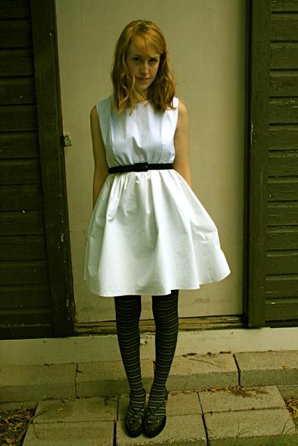 White_dress_2_large