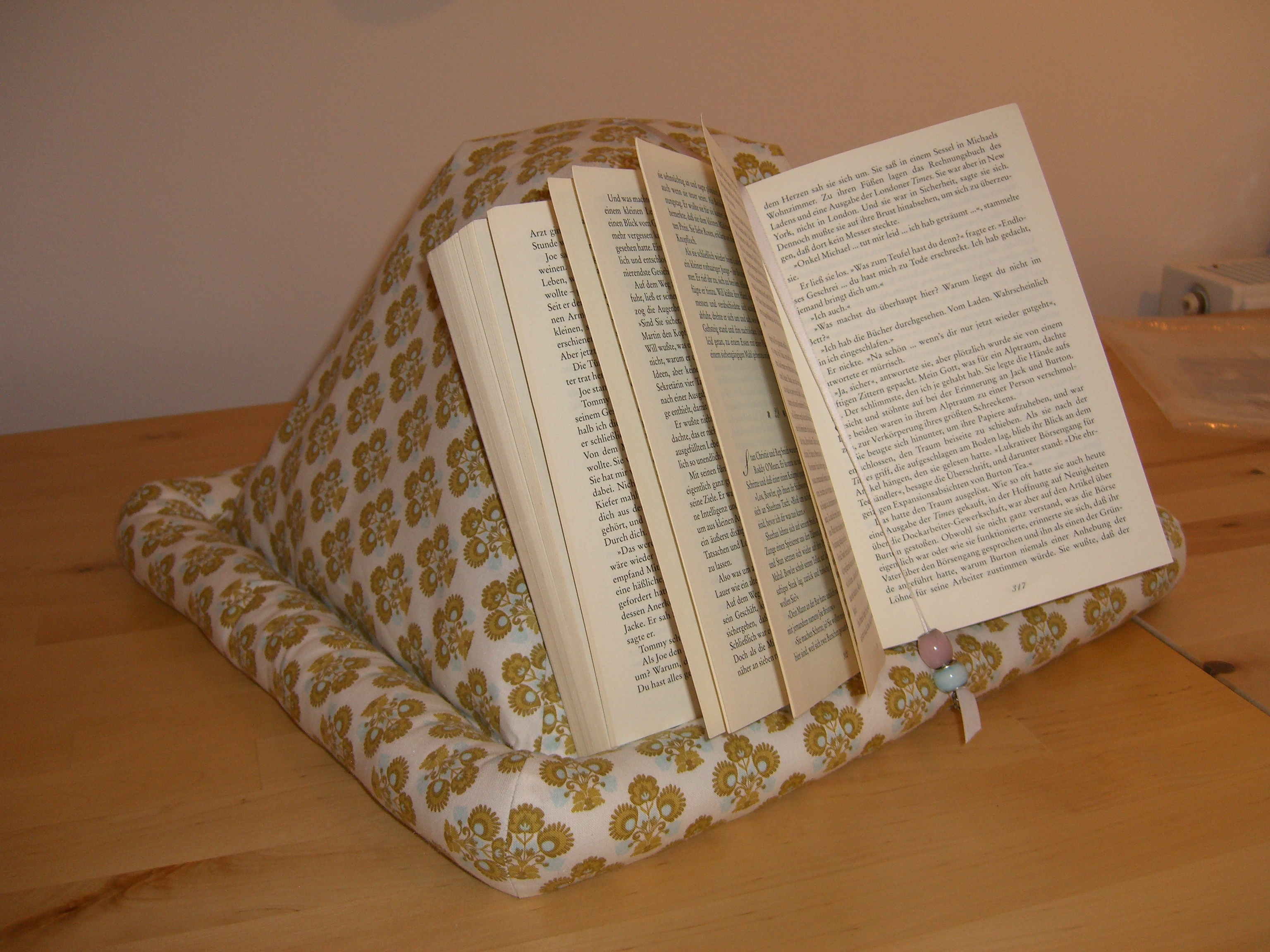 pyramid book holder sewing projects burdastyle