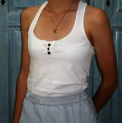 Henley_tank_front_large