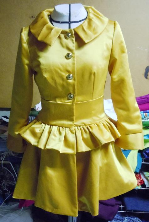 Yellow_trench_preview_006_large