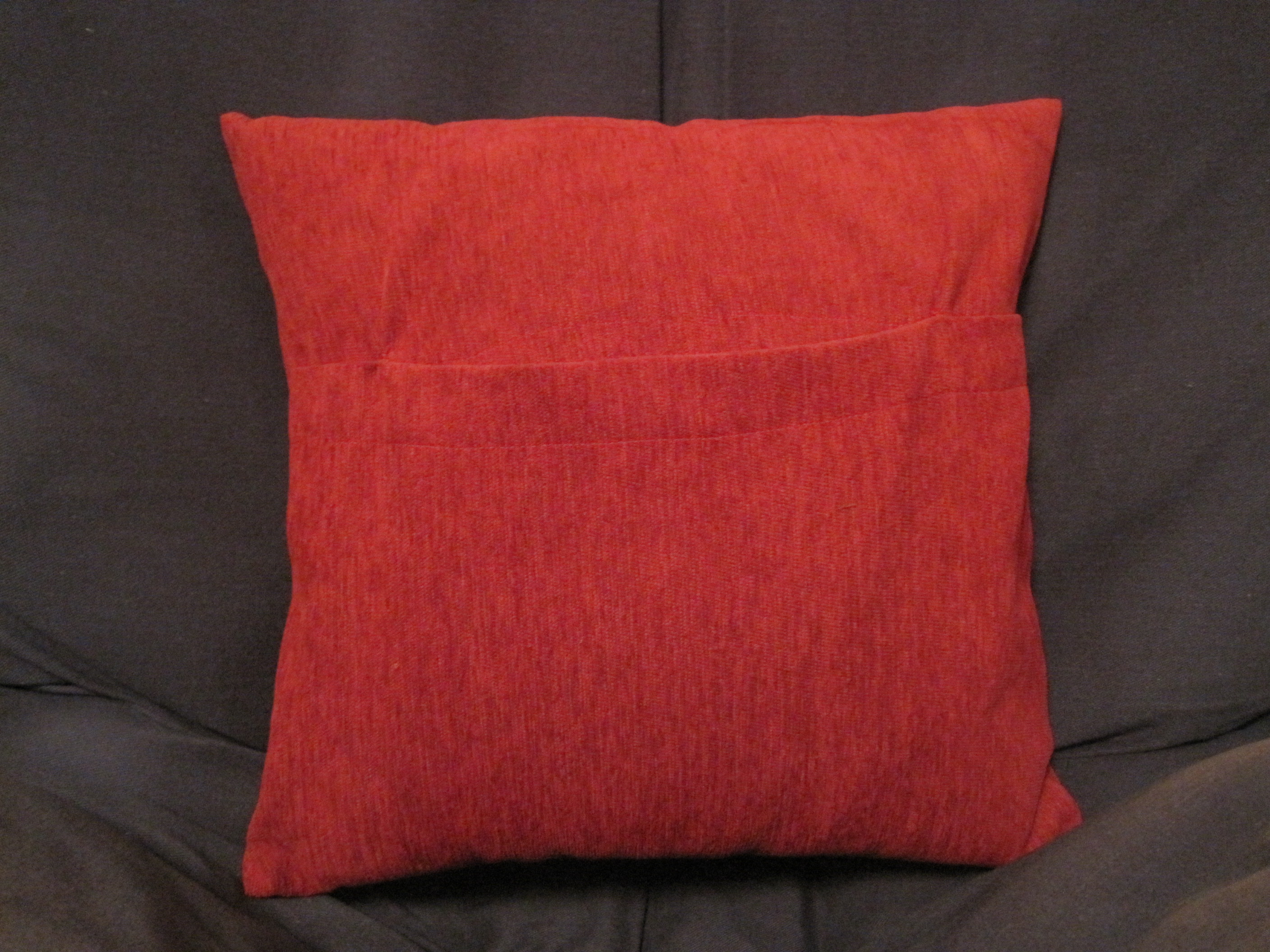 Easy Pocket Throw Pillow Cover ? Sewing Projects BurdaStyle.com