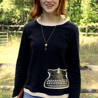 Maura_writer_shirt_004_listing
