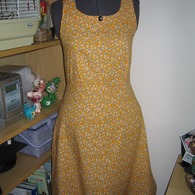 Yellow_dress_004_listing